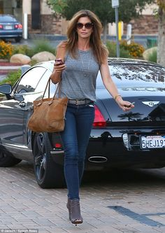 Celebrity Cars: Cindy Crawford + Bentley Continental GT