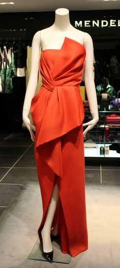 A feminine silhouette in resplendent red, we think this #JMendel dress is truly award winning.