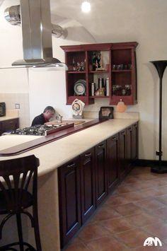 Un'altra immagine della cucina in muratura con finiture in legno realizzata a Velletri. A dire il vero eravamo ancora al lavoro quel giorno :)  Che ne pensate del risultato? Vi invito a vedere perchè Arredi e Mobili conviene su: http://www.arrediemobili.com/servizi.html