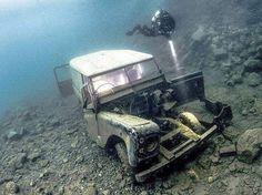 Land Rover 88 Serie III Submariner.