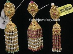 Gold Jhumka Designs with Pearl and Ruby Beads - Indian Jewellery Designs Jhumka Designs, Gold Earrings Designs, Beaded Jewelry Designs, Indian Jewellery Design, Indian Jewelry, Bengali Jewellery, Handmade Jewelry, Antique Jewellery, Diamond Jewellery