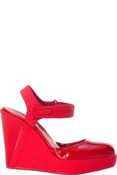 Buy online woman wedge sandal by Pirelli PZero  for € 53,00 on Luxyuu. Available now sandal plateau round toeleather and fabric uppervelcro closure rubber sole stitching, logo platform height: 2.5 cm heel height: 11.5 cm composition: leather and fabric color: red http://www.luxyuu.com/pirelli-pzero-wedge-sandal-P21235.htm