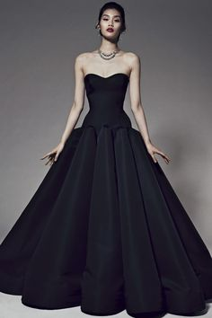 Zac Posen Pre-Fall 2014 - Runway Photos - Fashion Week - Runway, Fashion Shows and Collections - Vogue Zac Posen, Runway Fashion, Fashion Show, Style Fashion, Winter Typ, Fall Winter, Fall 14, Beautiful Gowns, Gorgeous Dress