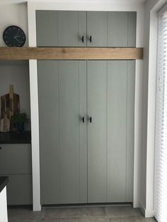 Cupboard Shelves, Tall Cabinet Storage, Wall Storage, Locker Storage, Interior Design Kitchen, Kitchen Decor, Shelving Systems, Cool Kitchens, Sweet Home