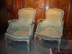Learn how to identify different kinds of antique chairs.