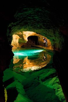 Jenolan Caves..