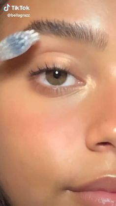 natural makeup for brown eyes . natural makeup for black women . natural makeup looks . natural makeup for blue eyes . natural makeup for blondes . Makeup Eye Looks, Cute Makeup, Pretty Makeup, Skin Makeup, Makeup Monolid, Glow Makeup, Simple Eye Makeup, Maquillage On Fleek, Baddie Make-up