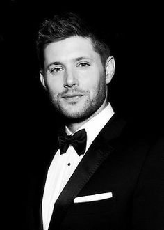 Jensen Ackles of Supernatural Supernatural Fandom, Castiel, Jensen Ackles Supernatural, Jensen Ackles Eyes, Dean Winchester, Winchester Brothers, Jared Padalecki, Smallville, Most Beautiful Man