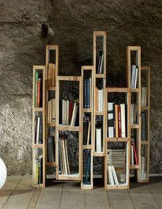 DIY Wandregalen und DIY Wanddeko aus Paletten to build inspiration for modern bookshelves from pallets Pallet Storage, Pallet Shelves, Diy Storage, Crate Storage, Storage Ideas, Storage Spaces, Wood Shelves, Storage Shelves, Diy Pallet Furniture