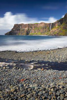 Talisker Bay, Menginish Peninsula, Isle of Skye, Hebrides, Highlands, Scotland by Ian Hex of LightSweep