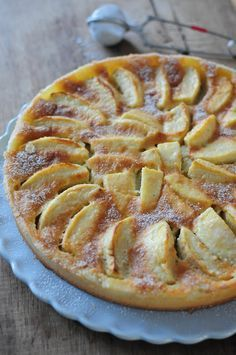Normandy apple pie This weekend I did it again with the lemon meringue pie, again a big success … it's nice! But I also had apples to use and so I figured I'd bring double dessert. French Desserts, Köstliche Desserts, Delicious Desserts, Dessert Recipes, Yummy Food, Sweet Pie, Sweet Tarts, Apple Recipes, Sweet Recipes