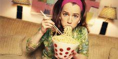 ¿Comes a pesar de no tener hambre? Descubre cómo evitar que tus emociones te hagan comer