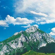 Czech Republic, Homeland, Mount Rainier, Mount Everest, Cool Pictures, Beautiful Places, National Parks, Hiking, Europe