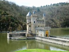 Château de La Roche Castle Ruins, Castle House, Medieval Castle, Cities In Germany, Germany Castles, Weather In France, Holidays Germany, Small Castles, French Castles