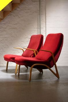 The ultimate red chairs and sofa inspiration collection! Make a singular statement by using red sparingly with a single dose, containing it all to a