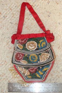 Iroquois beaded bag