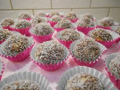 Coconut Truffles(Τρουφάκια με καρύδα)-Katerina Giannakopoulou-KaterinalitleKitchen - YouTube