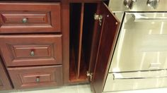 Coomie sheet cabinet
