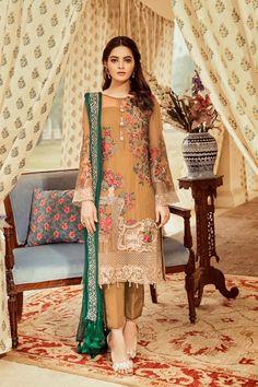 Pakistani Formal Dresses, Pakistani Outfits, Indian Dresses, Pakistani Clothing, Beautiful Dress Designs, Lovely Dresses, Designer Salwar Suits, Designer Dresses, Designer Wear