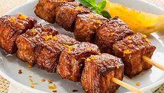 Receitas Friboi: Espetinho de cupim Friboi com limão. Espetinhos são sempre muito fáceis e rápidos de fazer. Podem ser feitos de última hora, com a chegada inesperada de amigos para um almoço, ou mais elaborados para uma festa ou jantar a dois.