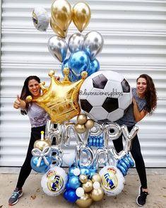 #halamadrid 👑 . . Diseño exclusivo de @by_nieves creadoras de @decoracionesglobos #balloondecor #balloonparty #balloonart #balloons #globos MIAMI 📲(786)779.75.23 CARACAS 📲 (0424)2697110 . . . DecoracionesGlobos 🎈Somos Alegría🎈 Balloon Tower, Balloon Display, Balloon Columns, Balloon Garland, Balloon Decorations, Happy Balloons, Happy Birthday Balloons, Helium Balloons, Balloon Bouquet Delivery