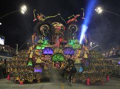 SP: veja os melhores carros alegóricos da 1ª noite de desfiles - Terra Brasil