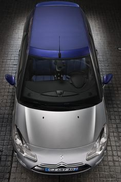 ♂ Silver car with navy blue top and details - Citroën DS3 Cabrio (2014)