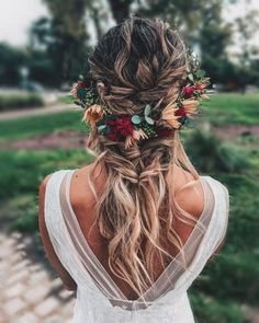 Boho Crown Pull-Through Braid With Waves hochzeit frisuren 50 Modern Wedding Hairstyle Ideas with Awesome Braids, Curls, and Up-dos Romantic Wedding Hair, Wedding Hair And Makeup, Wedding Updo, Hair Makeup, Boho Bridal Hair, Floral Wedding Hair, Bridal Braids, Flower Crown Wedding, Flowers In Wedding Hair