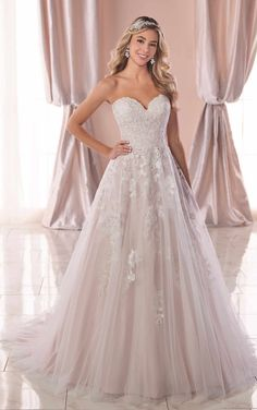 6da1bccb41c Stella York. A princess wedding dress for the bride ...