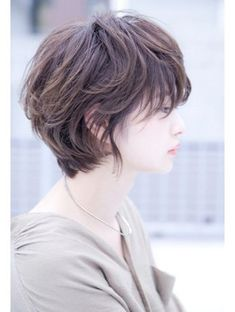 20 Layered Hairstyles for Short Hair Asian Short Hair, Girl Short Hair, Short Curly Hair, Short Hair Cuts, Curly Hair Styles, Korean Short Hairstyle, Short Hair Tomboy, Tomboy Hairstyles, Tomboy Haircut
