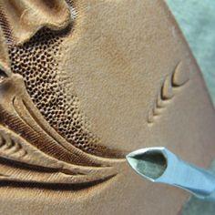 b54f4004423c Лучших изображений доски «tools»  112   Leather craft, Leather ...