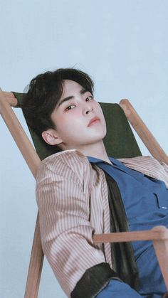 This man is perfect ♡ Exo xiumin Exo Xiumin, Kaisoo, Chanbaek, Kim Minseok Exo, Exo Ot12, Kpop Exo, Exo Photoshoot, Shinee, Rapper