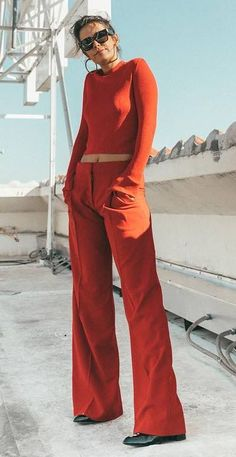 Nadire Atas on Vibrant Colours in Fashion Сool Summer Outfit Ideas To Fell In Love With Monochrome Outfit, Monochrome Fashion, Minimal Fashion, Moda Minimal, Minimal Chic, Fashion Pants, Fashion Outfits, Stylish Summer Outfits, Dress And Heels