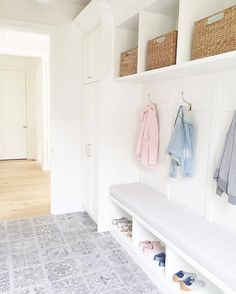 Mudroom Patterned tiles Built in cabinets Pottery barn baskets Metal Barn Homes, Metal Building Homes, Building A House, Home Office Decor, Entryway Decor, Home Decor, Foyer, Coastal Entryway, Entryway Ideas