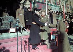 A kormányzó kezet fog a bevonuló csapatok tisztjeivel. Tiger Tank, Digital Archives, Defence Force, The Third Reich, Eastern Europe, World War Ii, Wwii, Army, History