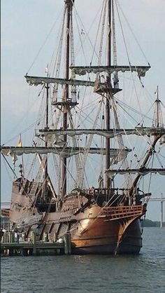 16th Century Spanish ship, El Galeon, docks on Charleston for first time.: