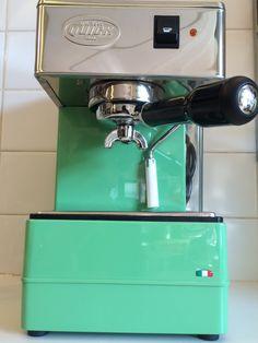 Quickmill 820 groen - Kookwinkel Potten & Pannen Espresso Machine, Coffee Maker, Kitchen Appliances, Espresso Coffee Machine, Coffee Maker Machine, Diy Kitchen Appliances, Coffee Percolator, Home Appliances, Coffee Making Machine