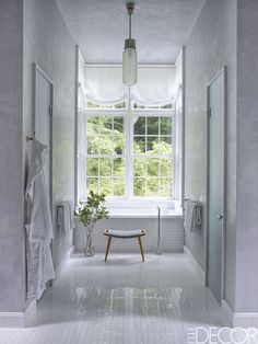 25 White Bathrooms That Will Instantly Make You Feel Serene   - ELLEDecor.com