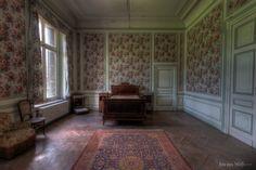 Photo Credit: Château de la Forêt Love the wall paper! Photo by Iris van Wolferen on 500px. From https://500px.com/photo/115582735/ch%C3%A2teau-de-la-for%C3%AAt-by-iris-van-wolferen.