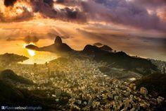 "#Riodejaneiro | #Brasil #Brésil #Brazil By Flávio Veloso Fotógrafo  ................. #GlobeTripper® | https://www.globe-tripper.com | ""Home-made Hospitality"" | http://www.globe-tripper.tumblr.com"