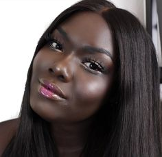 Nyma Tang gave a helpful yet unpopular opinion about the Trophy Wife highlighter from Fenty Beauty by Rihanna. Wedding Makeup Tips, Natural Wedding Makeup, Wedding Makeup Looks, Dark Skin Girls, Dark Skin Makeup, Ebony Beauty, Pure Beauty, African Beauty, African Hair