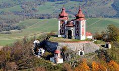 La Slovacchia turistica:  il sito Unesco di Banská Štiavnica Travel Bugs, Homeland, Wonderful Places, Hungary, Mount Rushmore, Medieval, Castle, Explore, Mountains