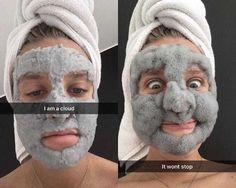 Conheça a máscara facial divertida que é sucesso na internet