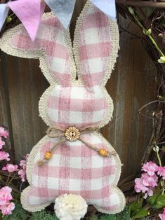 28 Appealing Small Entryway Decor Ideas to Welcome You Home - The Trending House Bunny Crafts, Easter Crafts, Diy Crafts, Easter Decor, Easter Centerpiece, Easter Table, Easter Party, Easter Ideas, Diy Ostern