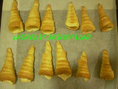 lasdeliciasdepilar: Cucuruchos de hojaldre rellenos de crema y chocolate. Para el relleno http://www.pinterest.com/pin/25684660348706877/