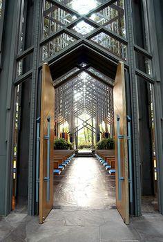 Catedral Thorncrown (Coroa de Espinhos). Eureka Springs, Arkansas, USA. Arquiteto responsável: E. Fay Jones.