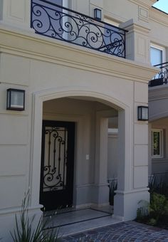These are your favourite balkon design in the world Gate Design, Door Design, Exterior Design, Window Design, Balcony Grill Design, Balcony Railing Design, Classic House Exterior, Classic House Design, House Outside Design