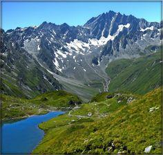 Plan-de-la-Chaux, Switzerland    http://dreameurotrip.com