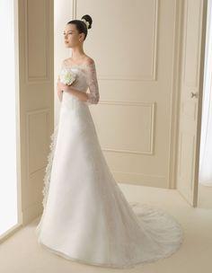 Vestidos de Novia | LUNA NOVIAS  I am in love with this dress.