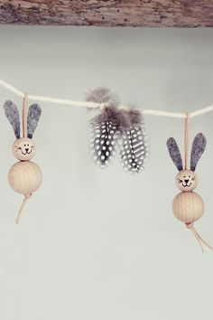 Wenn überall süße Häschen, bunte Eier und Frühjahrsblumen zu sehen sind, ist Ostern nicht mehr weit entfernt. Unser erster Gedanke be...